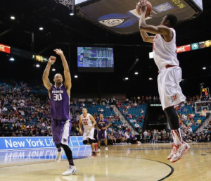 Dakarai Tucker (Utes #14) drills 3-pointer with 40 seconds left to give Utes 63-60 lead.